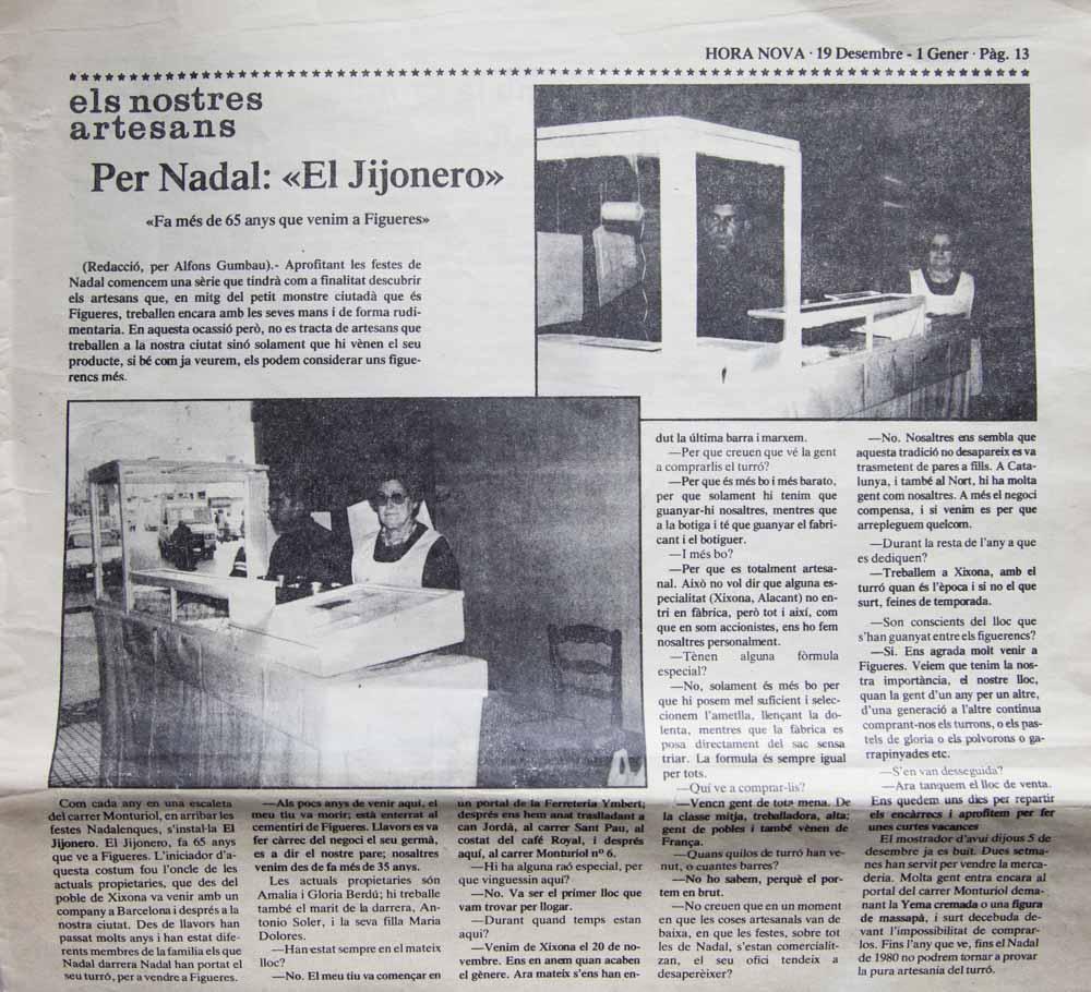 Recortes de periódico. Historial de la empresa y la venta del turrón.